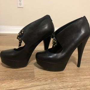 Truth or Dare By Madonna 7.5 black heels pumps now